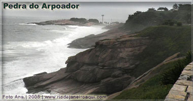 Pedra do Arpoador vista do Forte de Copacabana