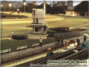 Pista do Jockey Club e torre de controle